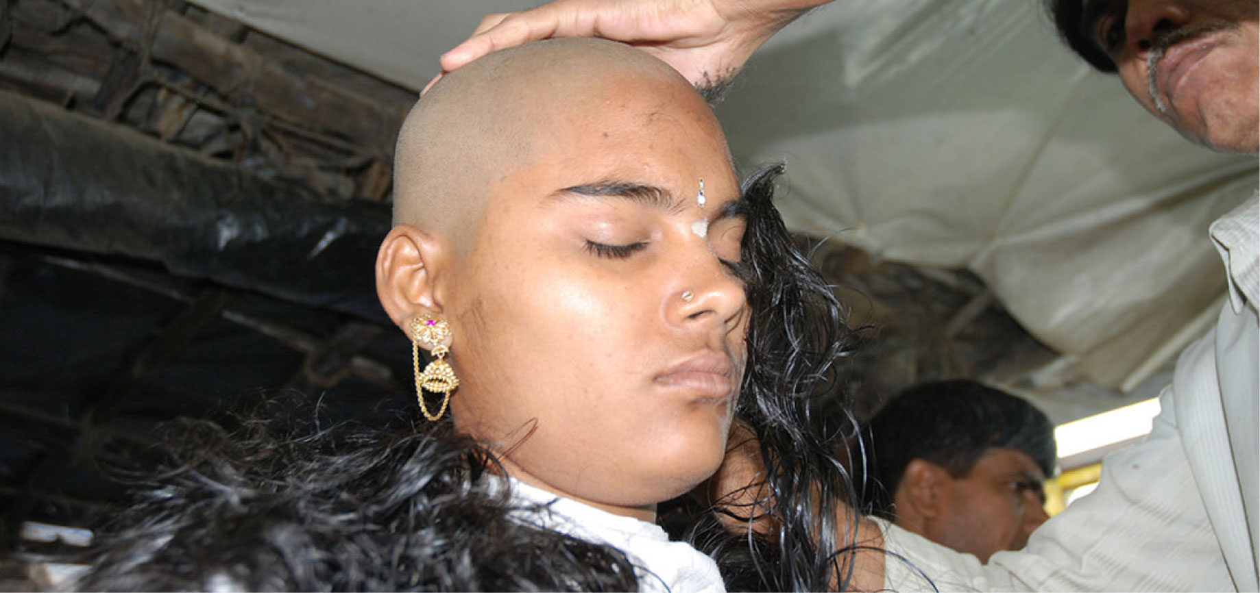 Tirupati Temple Devotee Offer Hair